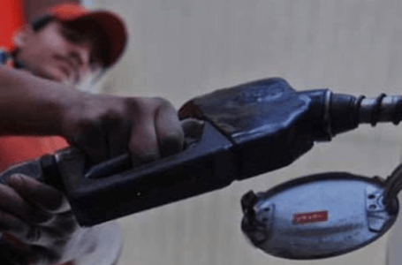 Ogra recommends Rs 20.68 per litre cut in petrol price