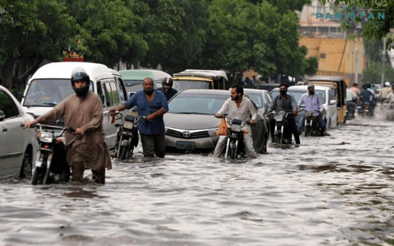 Six killed as monsoon rains lash down on Karachi