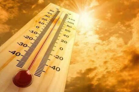 Karachi soars in high temperatures as mercury expected to reach 41 C