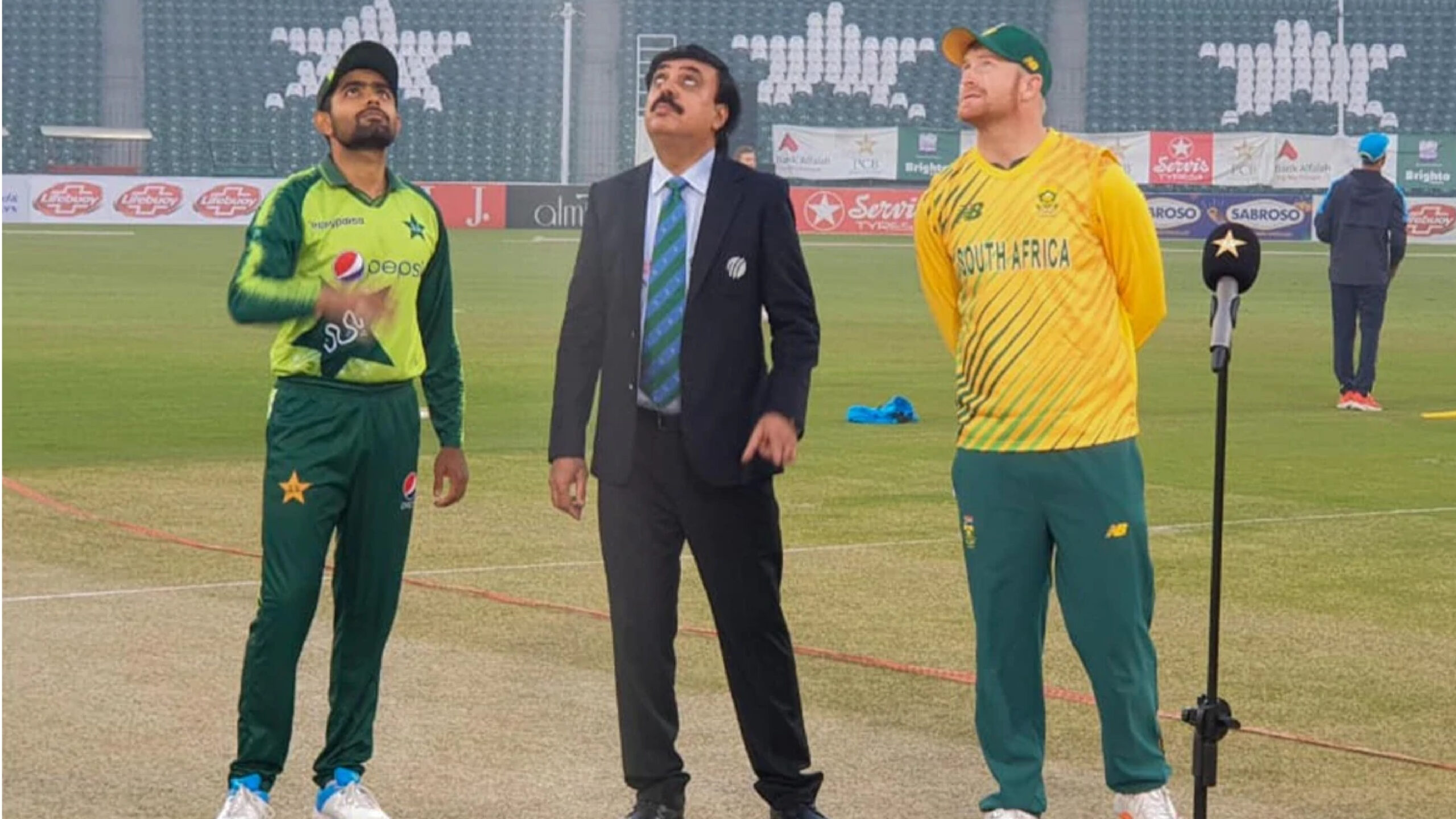 Off-colour Pakistan lose second T20 to South Africa