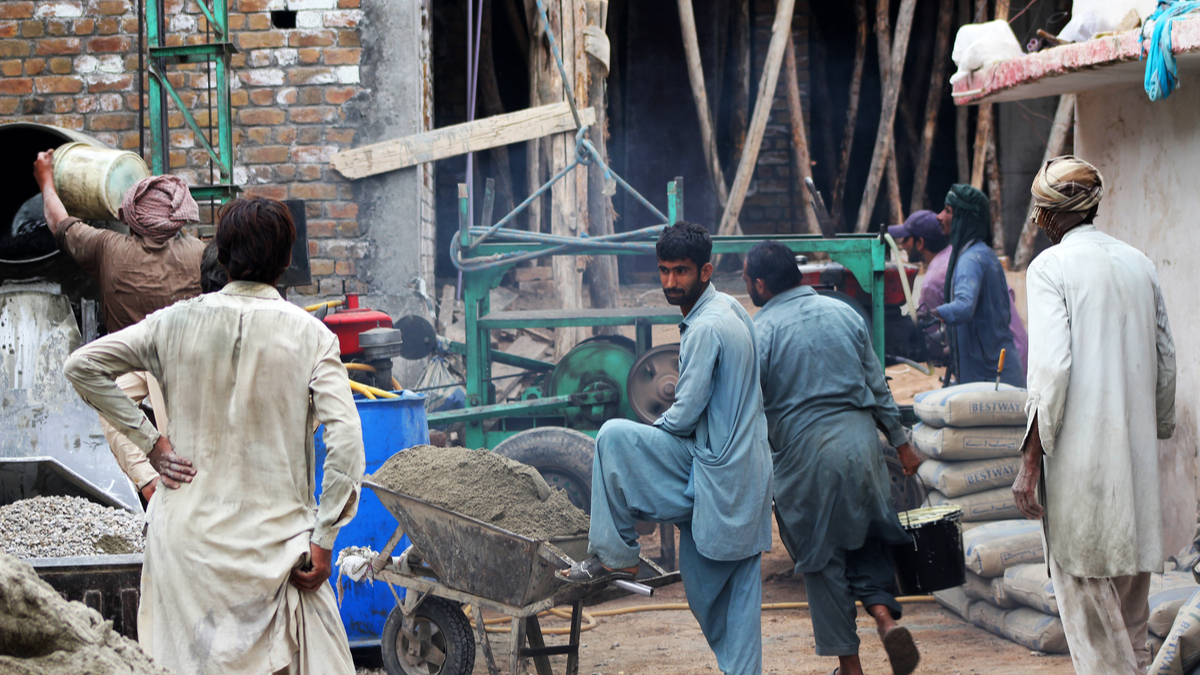 Cement sales go up by 24.3pc in April 2021