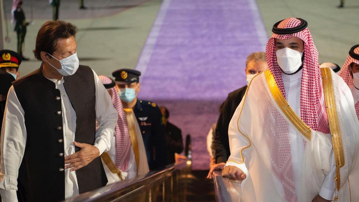 Resolve to deepen bilateral ties expressed as PM Khan visits Saudi Arabia