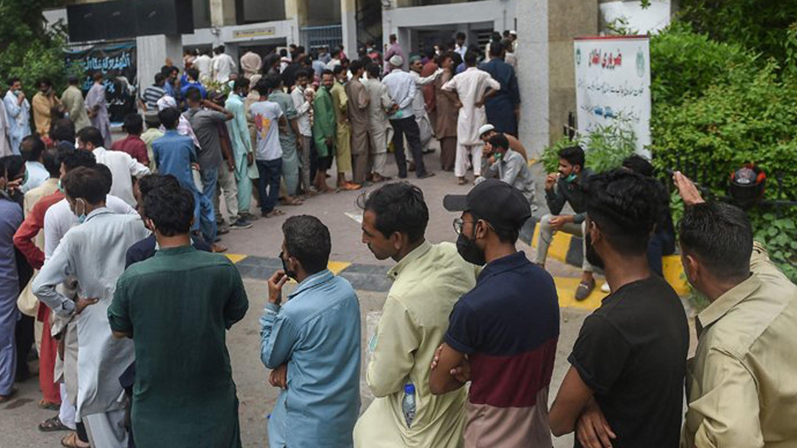 Fears of vaccine shortage surround Karachi amid rising cases