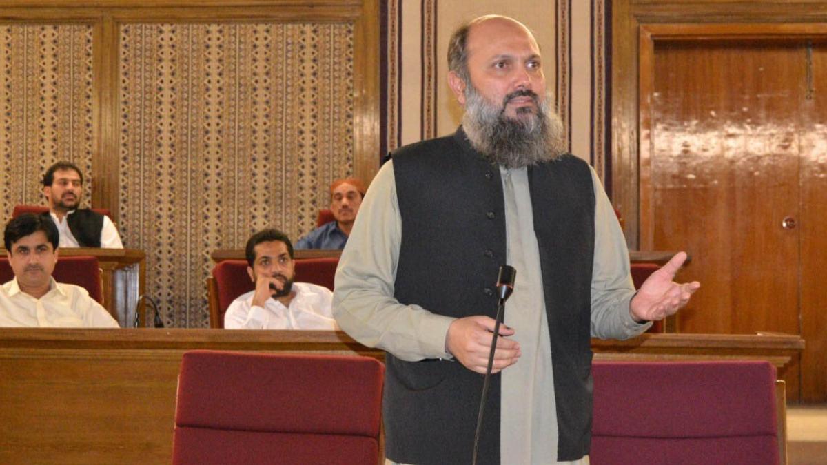 CM Kamal resigns amid deepening political crises